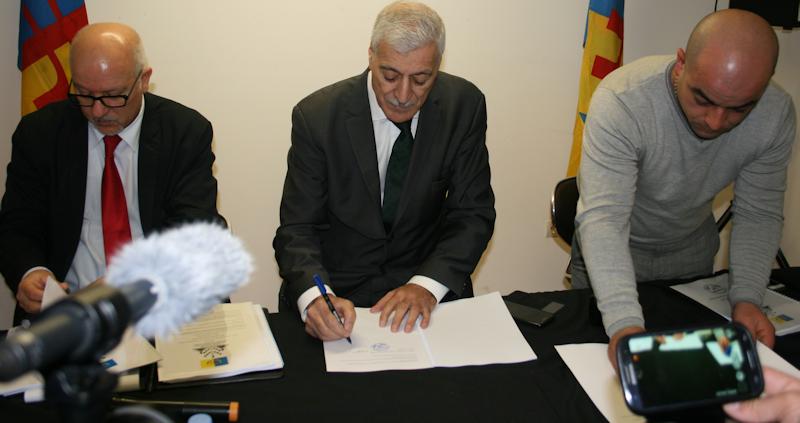 Signature des conventions relatives aux représentations diplomatiques