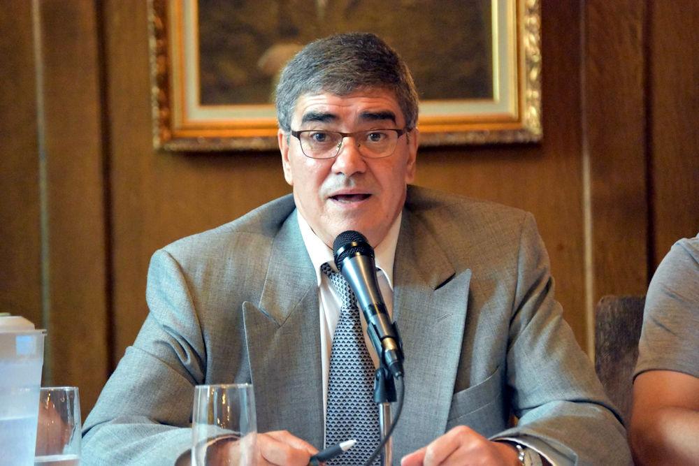 Le Gouvernement Ziani remet sa démission au Président de l'Anavad