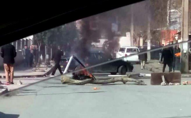La police coloniale a exigé des «manifestants de la JSK» de déclarer qu'ils sont du MAK-Anavad