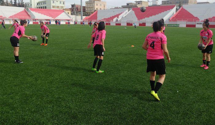 Une équipe de football féminine kabyle prise à partie sur une page Facebook arabophone