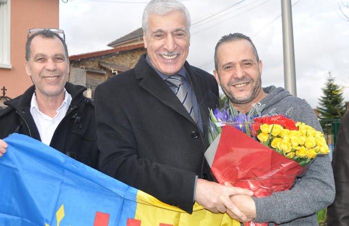 Une délégation conduite par le Président de l'Anavad rend visite au chanteur Amirouche, en convalescence
