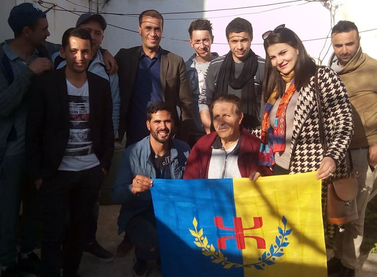 Une délégation du MAK-Anavad a rendu visite à Mohand-Larvi Tayeb, en convalescence