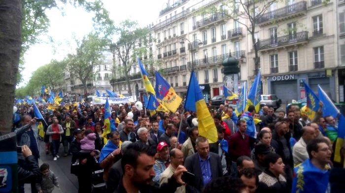Un Tsunami Kabyle pour l'indépendance a déferlé de Bastille à République