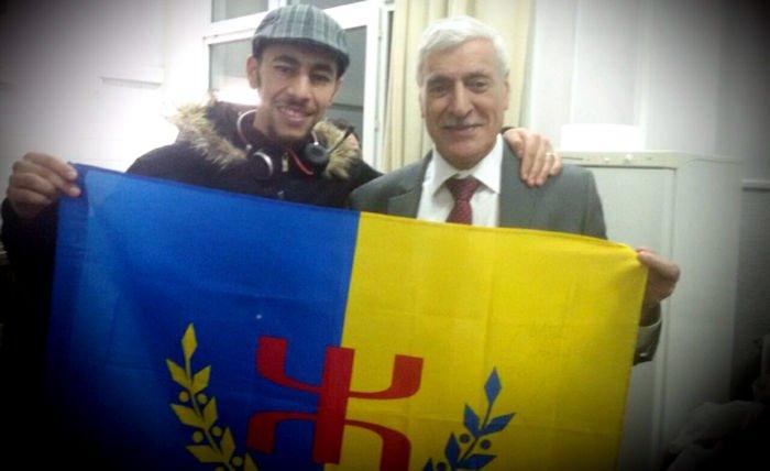 Le chanteur Meziane Aqvayli appelle à rejoindre les marches du 16 et du 20 avril
