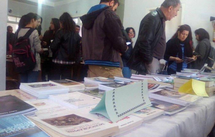 Salon du livre de boudjima entre lecture et histoire siwel for Salon kabyle