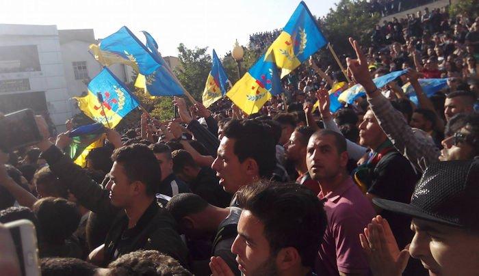 Université de Hasnaoua : Grand gala aux couleurs kabyles et aux cris de «Kabylie indépendante»