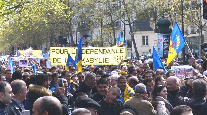 Medias français : invitation à briser le black-out sur la Kabylie (communiqué du Président de l'Anavad)