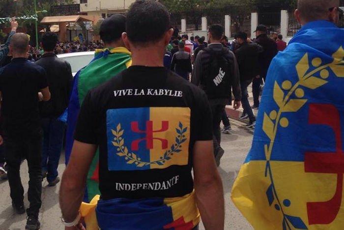Les marcheurs du 20 avril ne seraient que de piètres suivistes de processions d'après des médias algériens