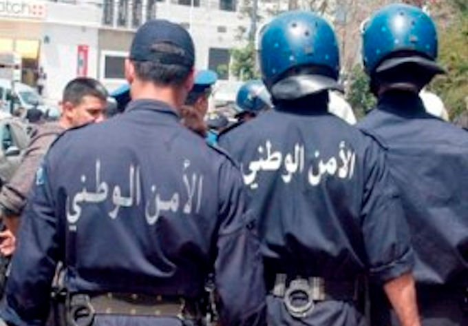 Les services de répression algériens ont confisqué les téléphones de six militants depuis 2 mois et demi