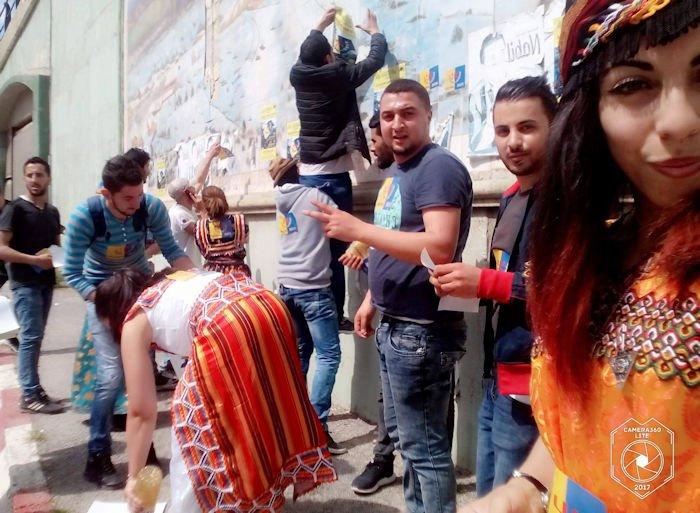 Affichage pour le 20 avril : Les militantes et militants du MAK-Anavad ont sillonné la ville de Tizi Wezzu