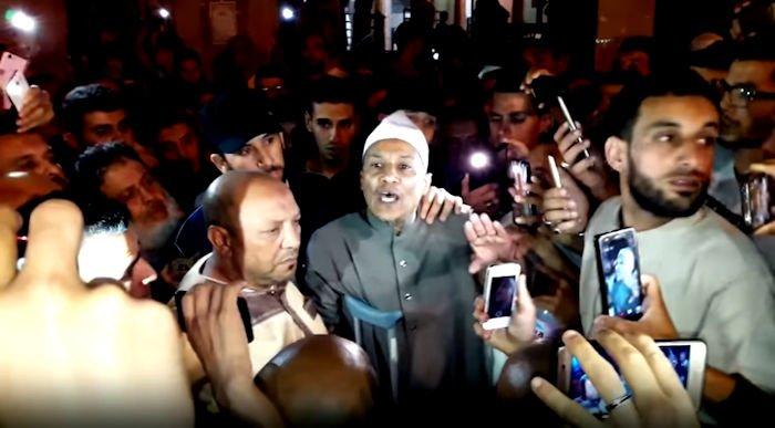 Algérie : Ali Belhadj fait entonner «Aalayha nahya wa aalayha namout » à Alger
