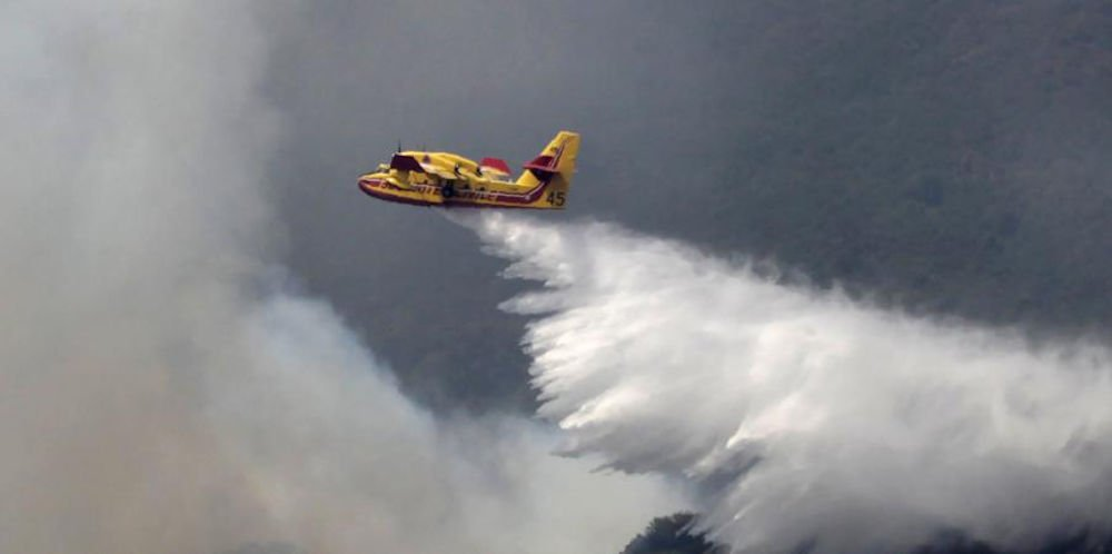 L'Algérie aurait envoyé des canadairs en Tunisie pour l'aider à maîtriser les incendies