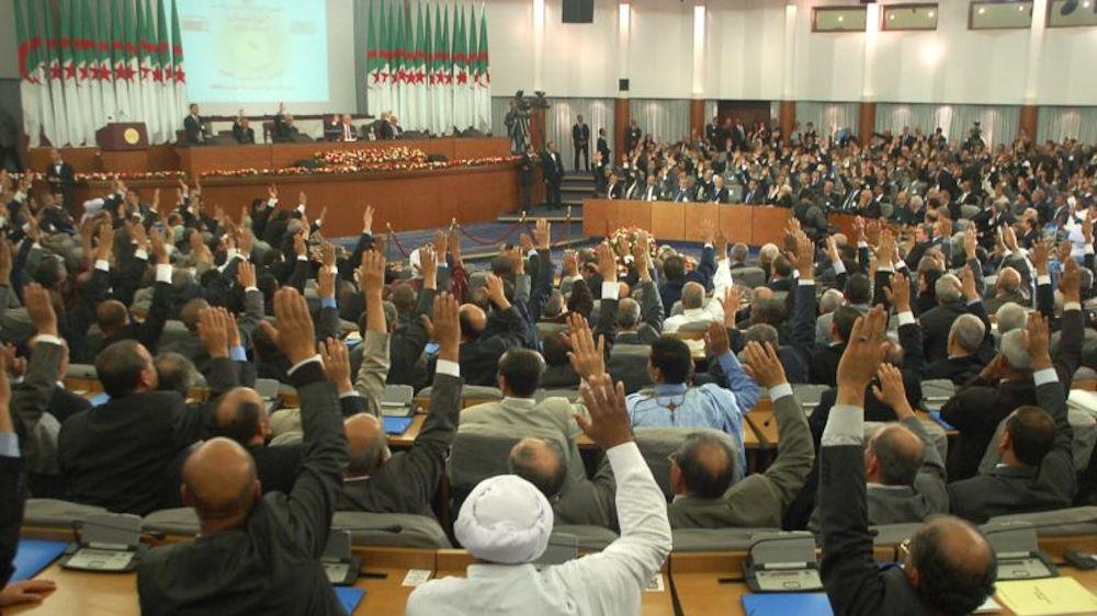 Mémorandum –  partie 4 (dossier culturel) : Chronologie des textes constitutionnels algériens conçus pour arabiser la Kabylie