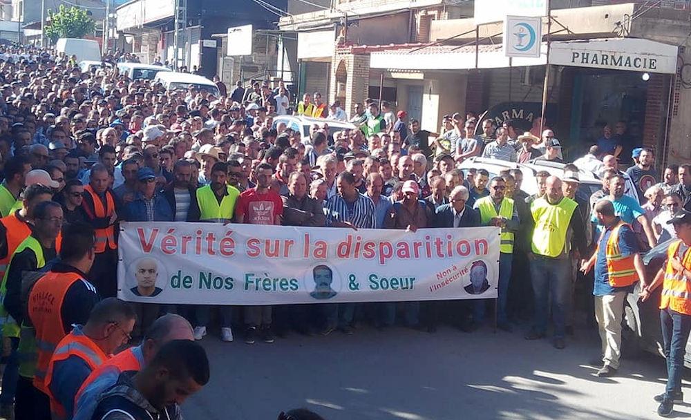 Insécurité à Bouzeguene : des milliers de marcheurs pour dénoncer le laxisme de l'Etat algérien