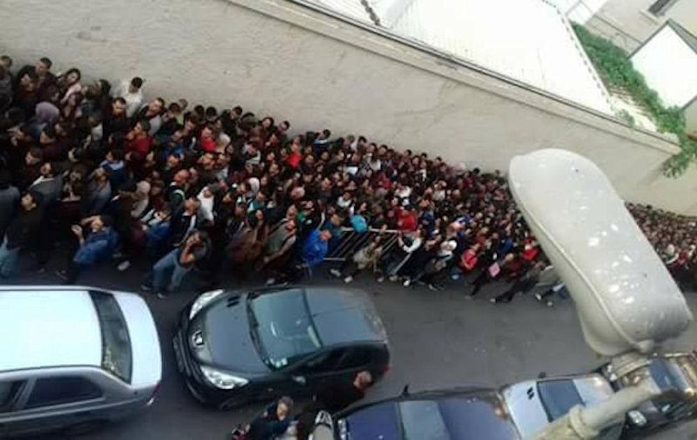 Des centaines d'étudiants kabyles bloqués à l'entrée de l'Institut Français d'Alger
