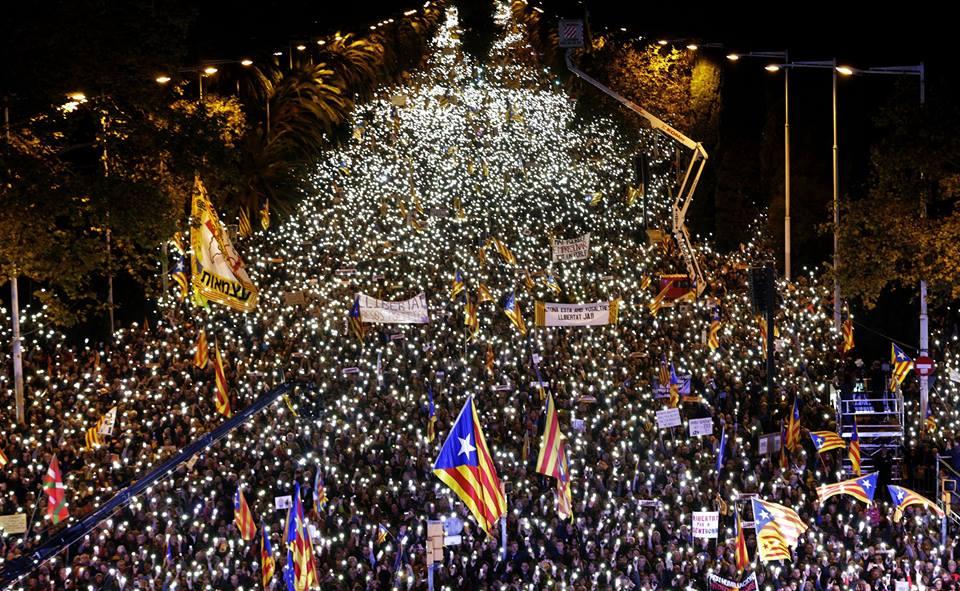 Catalogne : Près d'un million de manifestants scandent «Nous sommes une République»