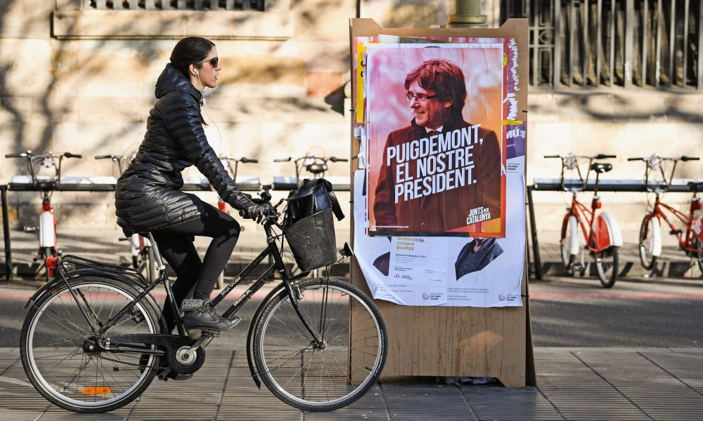 Catalogne : les indépendantistes conservent la majorité absolue