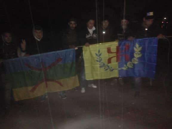 Le drapeau kabyle flotte de nouveau au village du Colonel Amirouche