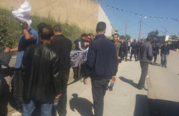 Le MAK-Anavad soutient le sit-in devant le tribunal de Draa El Mizan (Communiqué)