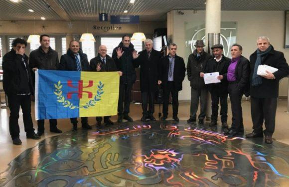 Déclaration des membres de l'Anavad en soutien au président Ferhat Mehenni