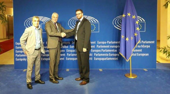 Résolution sur l'Algérie et la question kabyle : Ferhat Mehenni saisit le Parlement Européen
